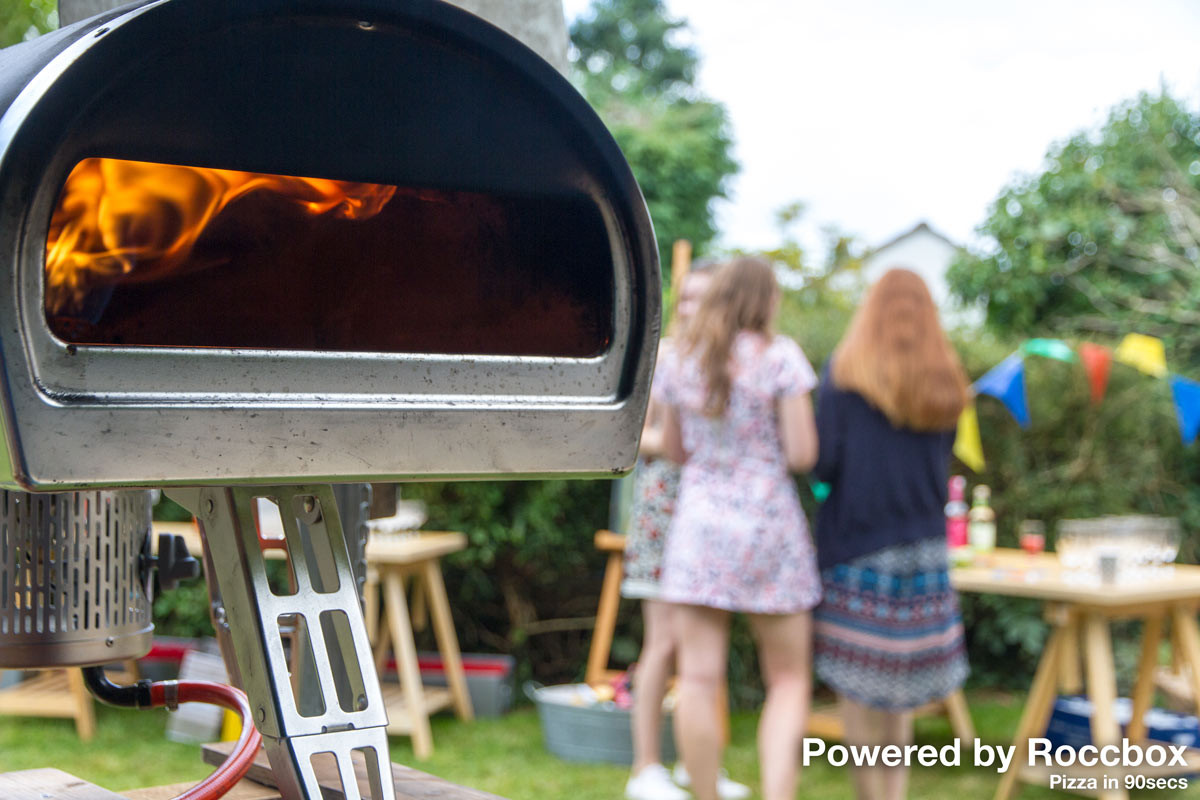 the-pizza-bike-powered-by-roccbox-wood-and-gas-fired-oven