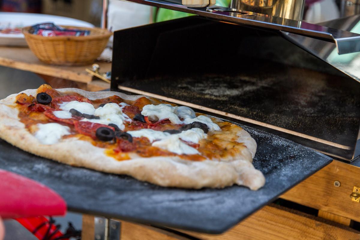 Keynsham-Farmers-Market2-#thepizzabike-#pizzabike-