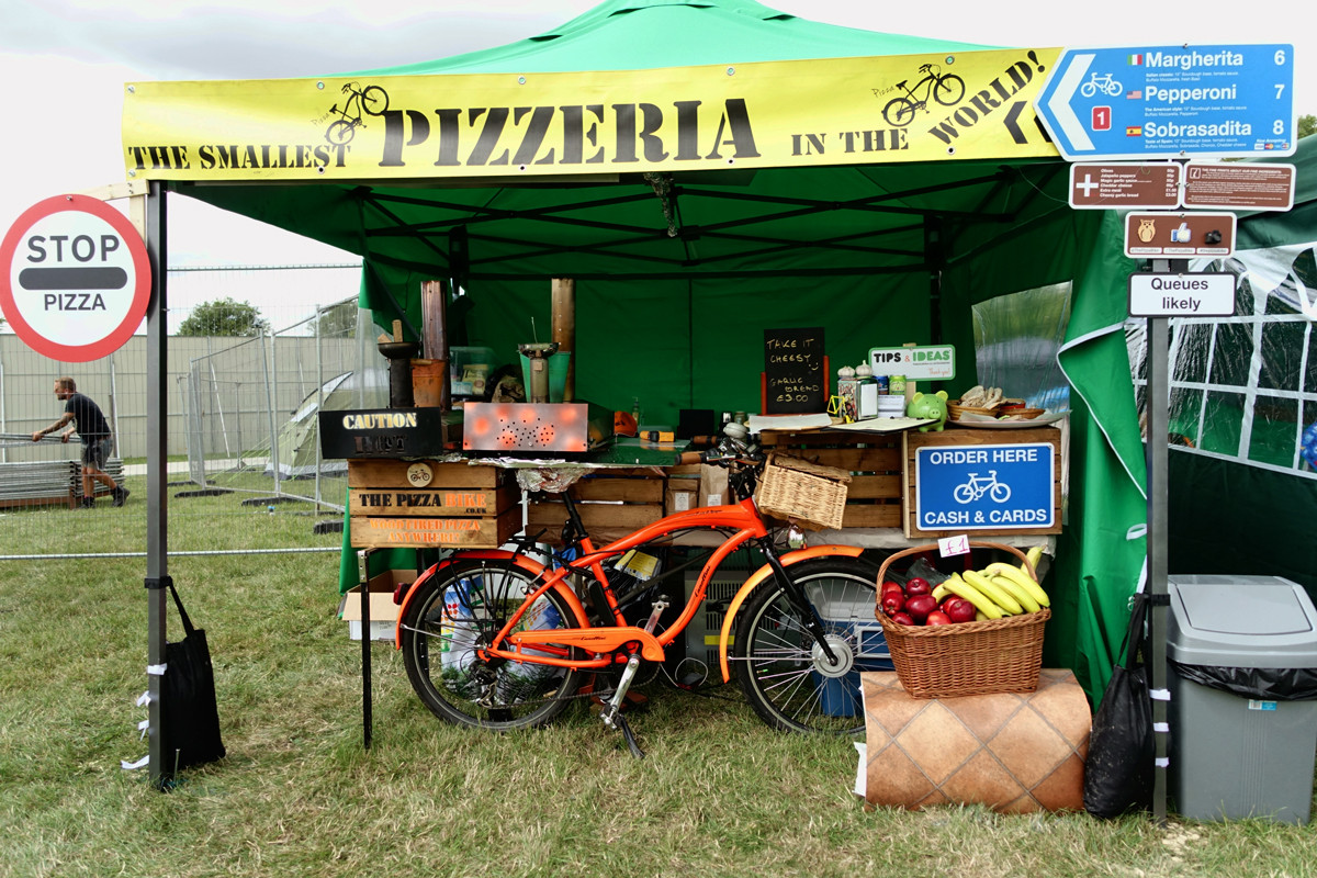 The Pizza Bike - the smallest pizzeria in the world
